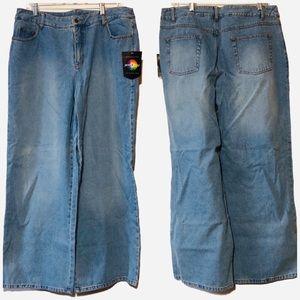 Nwt Jeanology lightwash baggy super flare Jeans 16